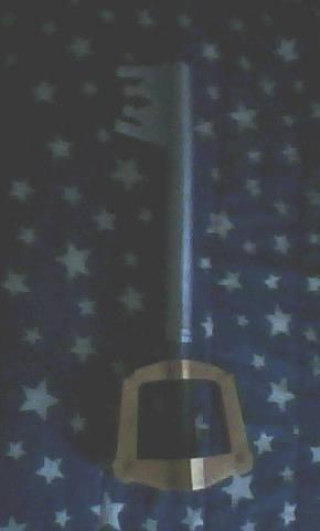 Life-size Keyblade papercraft by TwilightTegan