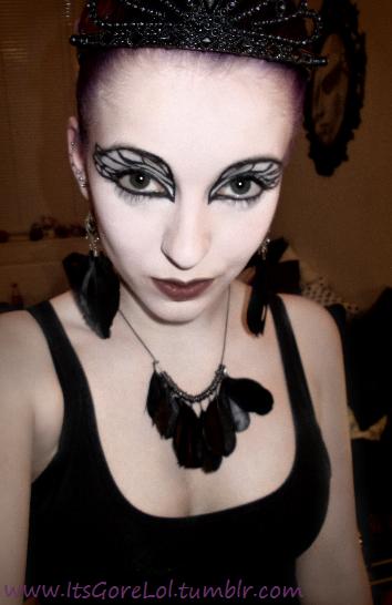 Black Swan Halloween Makeup by MangaLobster on DeviantArt - Black Halloween Makeup