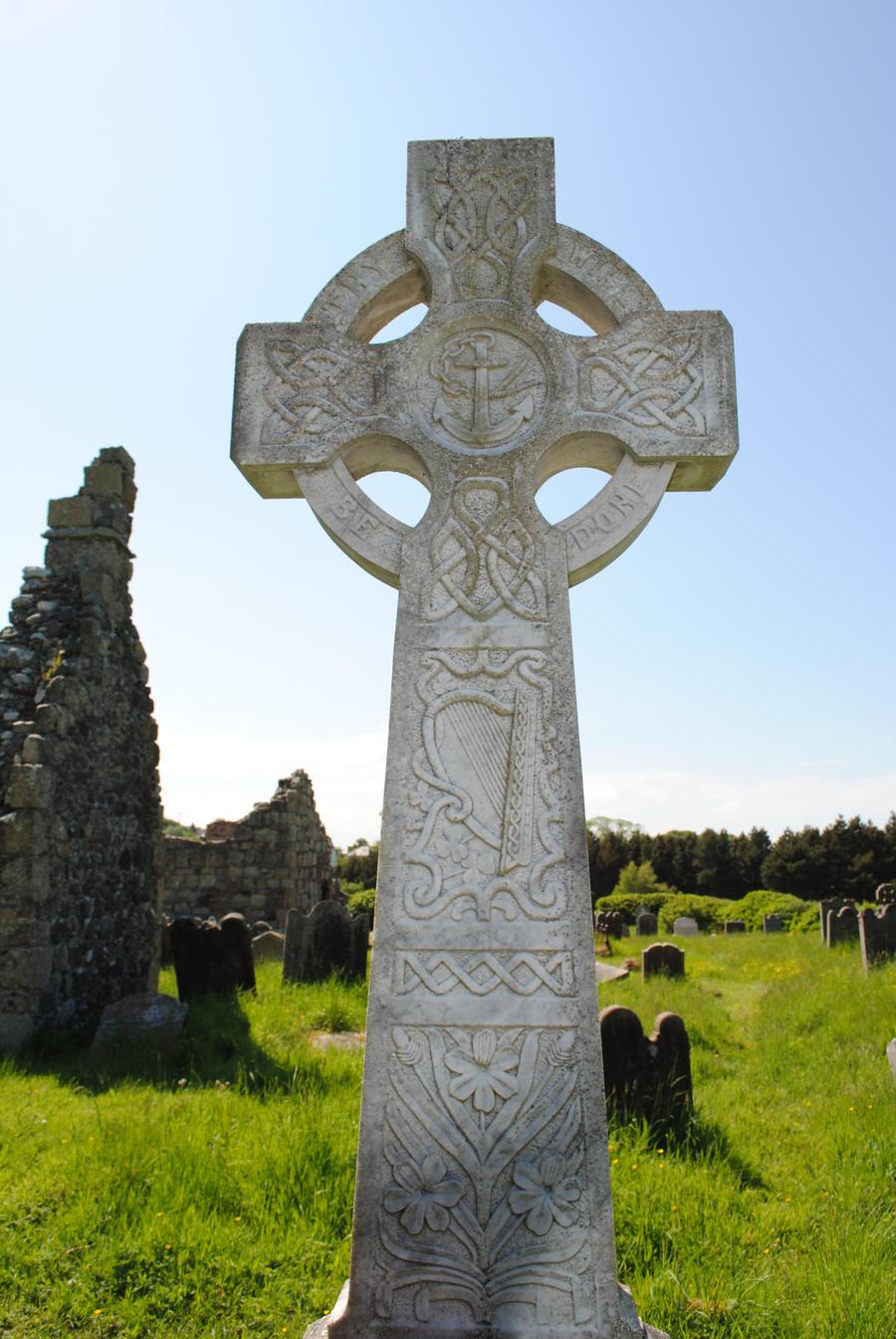 Celtic cross closeup