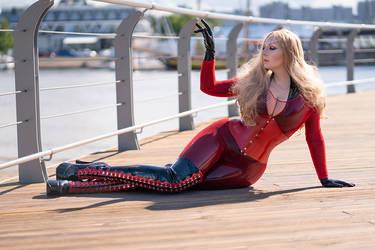 Pretty Plus Size Woman Wearing Latex and Fishnet by modelvaahtokaramelli