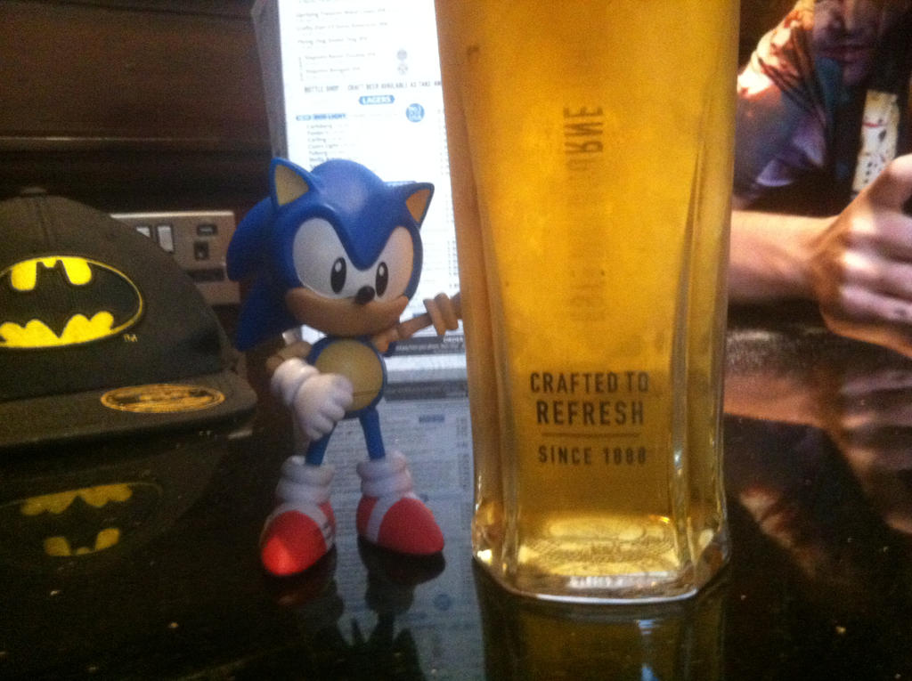 Sonic at the pub by TrackmasterPrime