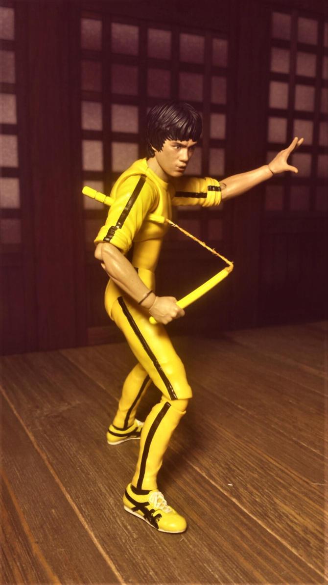 Bruce Lee in tracksuit 2 by ULTIMATEbudokai3