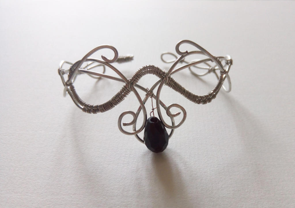 Wire wrap bracelet. Inspired by Aubrey Bouck by lamie04