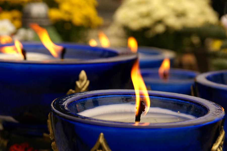 Plamen  svece - Page 3 Candles_by_julka8000-d4i94qk