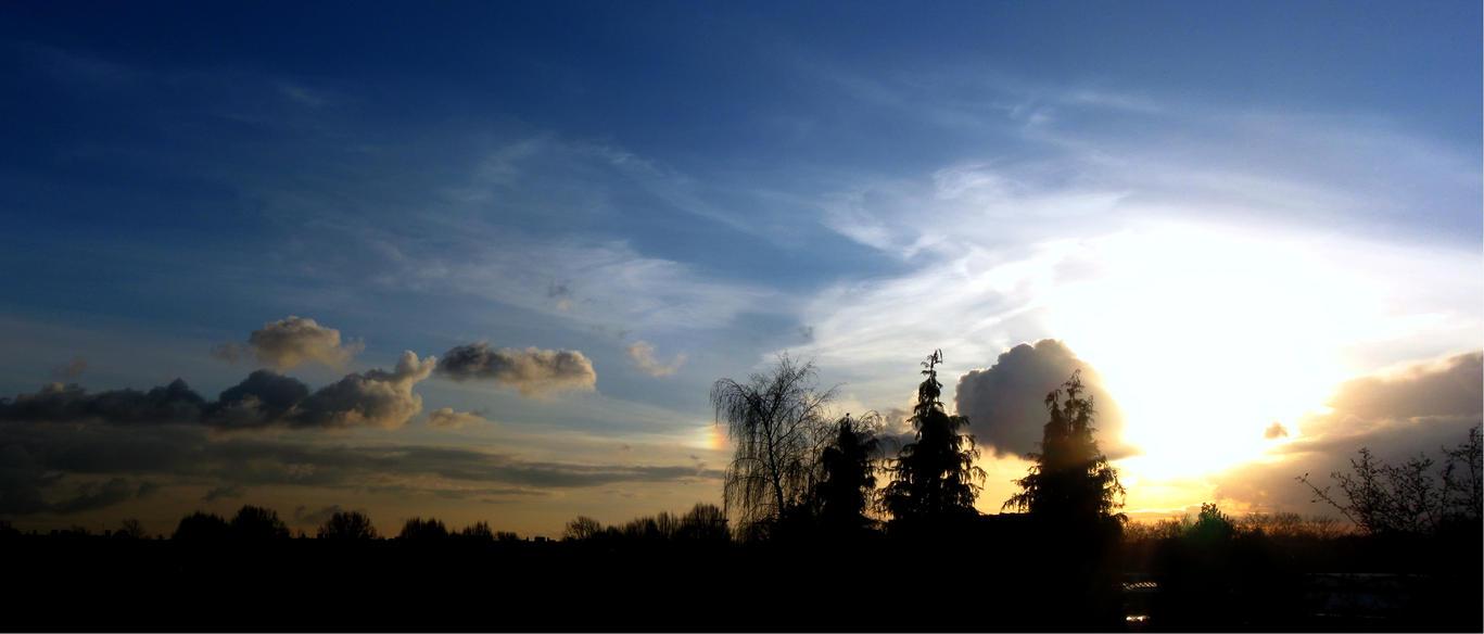 3rd Feb 2015 Sky - Sundog by Xaeyu