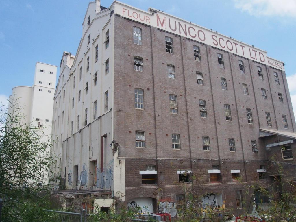 Old Mill by JolanthusTrel
