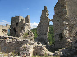 Ruines d'Usson by fairling-stock