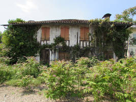 Maison abandonnee by fairling-stock