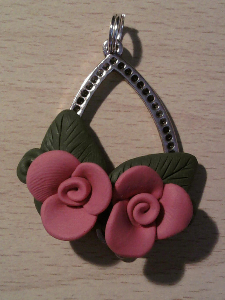 Pendant with roses fimo by bimbalove81