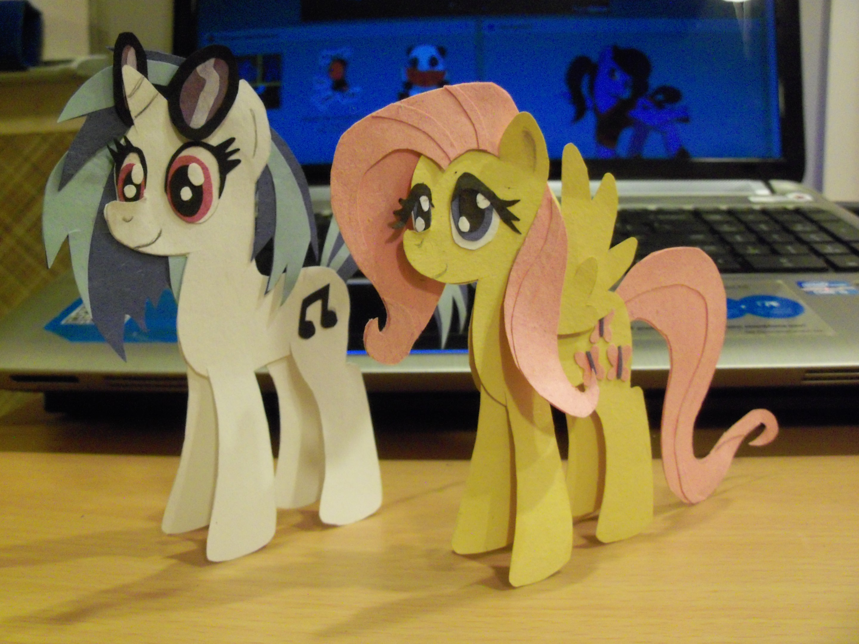 Mayrapie 42 4 Vinyl Scratch And Fluttershy Paper Cutout By LeLe37
