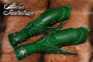 Elfic green winged articulated leather arms by AtelierFantastique
