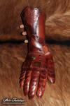 Nushem'rah articulated leather gauntlet