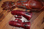Child leather gauntlets