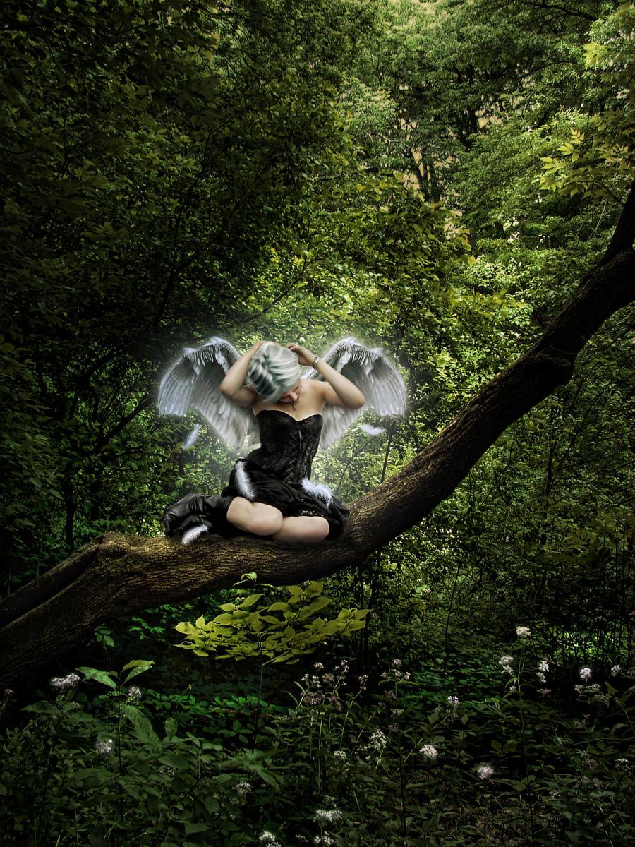 Fallen Angel by JinxMim