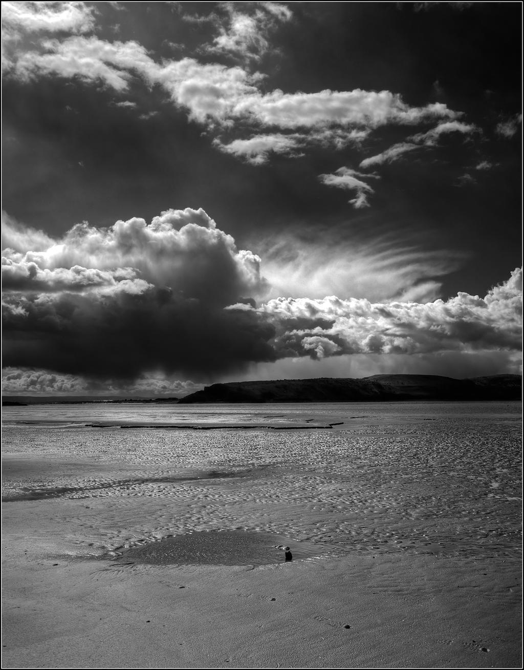 Dreamy Clouds B-W