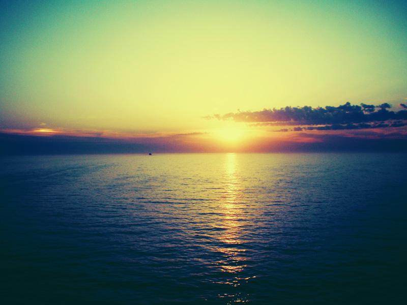 Zalazak sunca-Nebo - Page 2 67790_by_Fall_Out_M