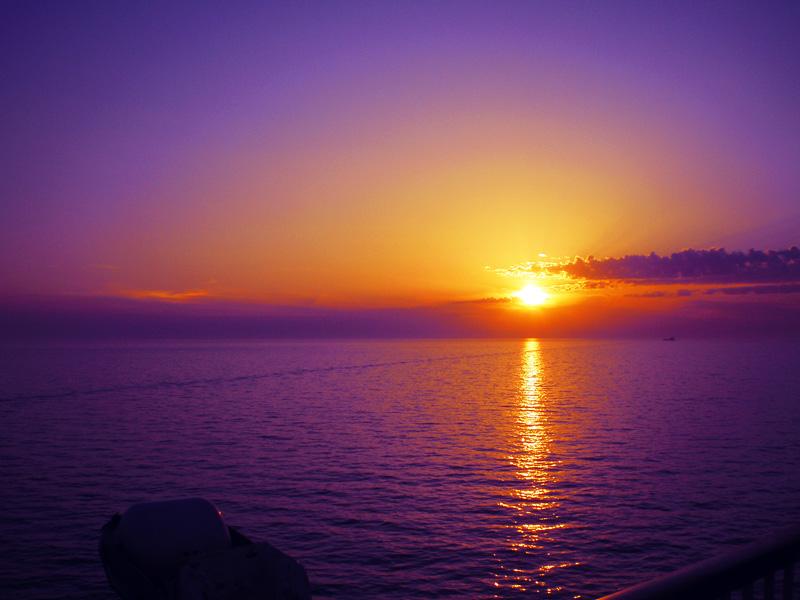 Zalazak sunca-Nebo - Page 2 00234_by_Fall_Out_M