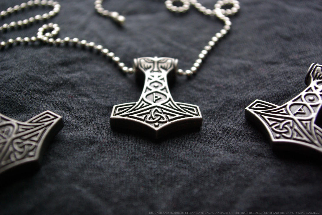Thor's Mjoellnir Pendant by DeserkeR