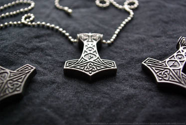 Thor's Mjoellnir Pendant