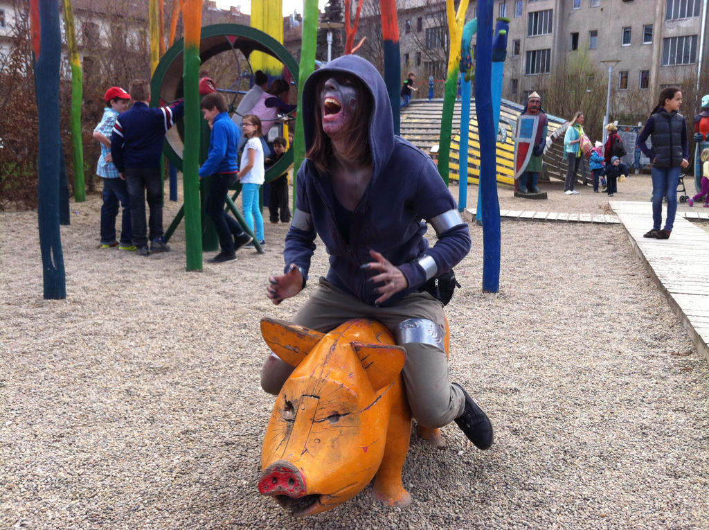 Hunter cosplay at PlayIT 2013 by GalooGameLady