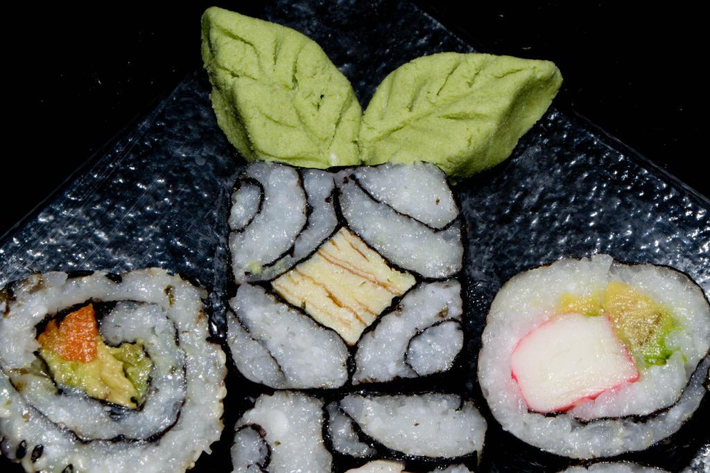 sushi by Ninaquilla