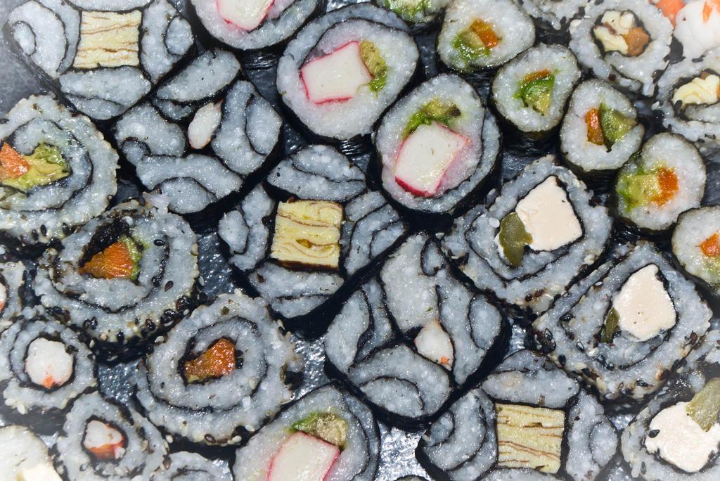 sushi 2 by Ninaquilla