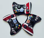Mass Effect 3 Custom Controllers by velocitti