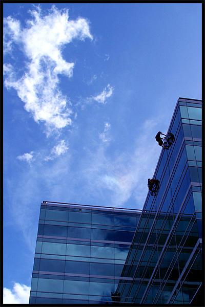 Urban Cliffhangers by hucast