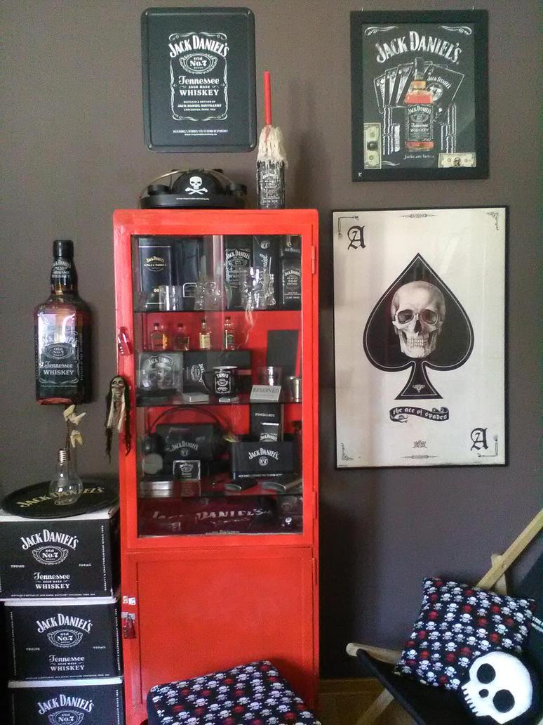 skull jack daniels room :) by wigur