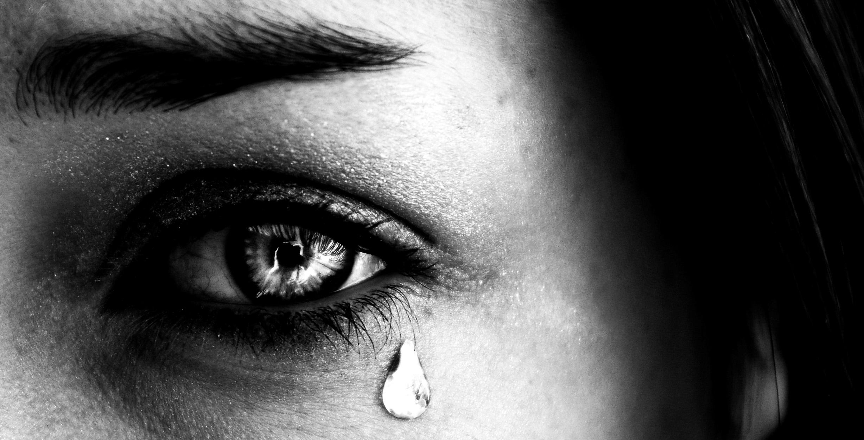 یک قطره اشک به معنی همه چیز برای یک عاشق است