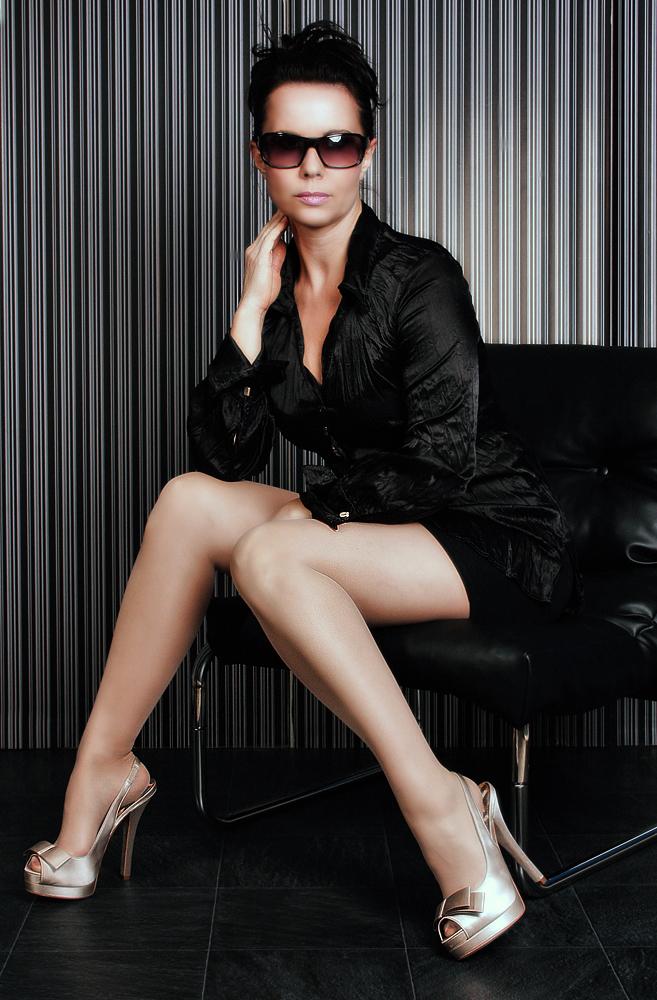 Gina - Queen Of Heels 1 by ampret on DeviantArt: ampret.deviantart.com/art/Gina-Queen-Of-Heels-1-142137537