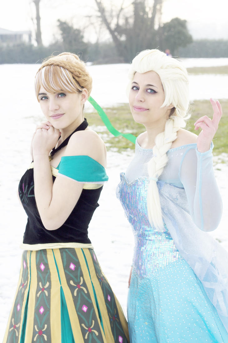 Anna and Elsa by Miharu-Hachiko