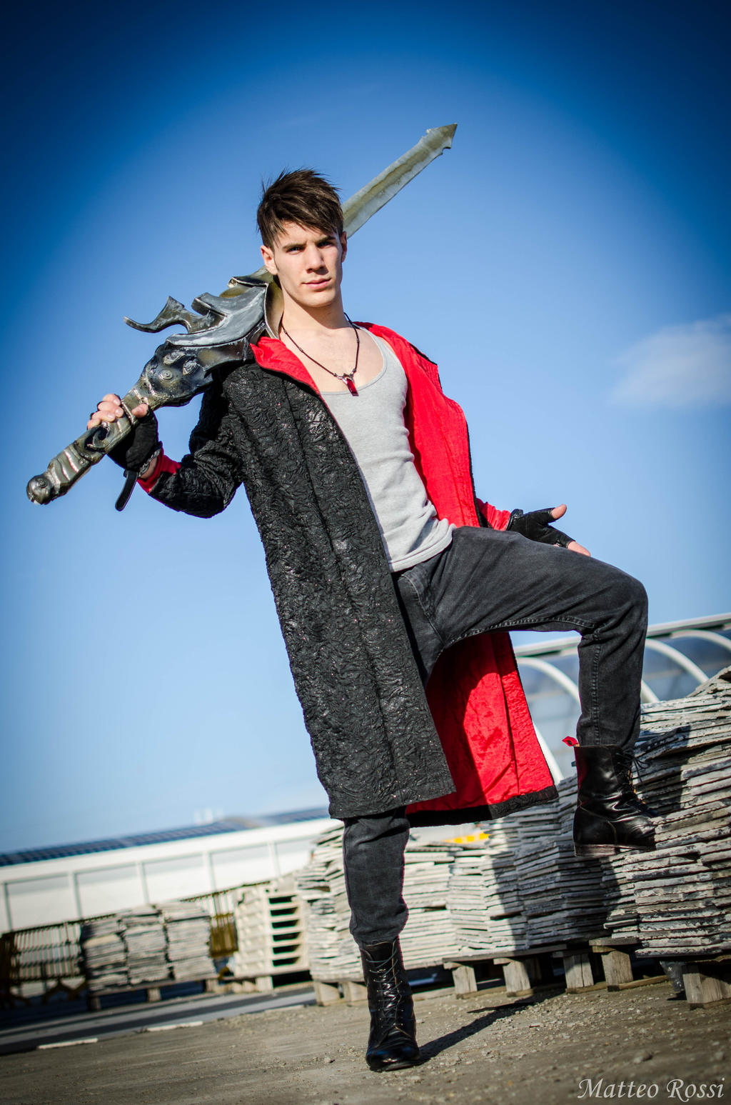 Cosplay-player 2 - Page 3 Dante_dmc_5_cosplay_by_gnefilim-d628pgc