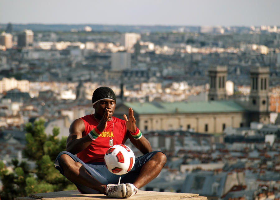 Football player  Sacre Coeur by grafzero