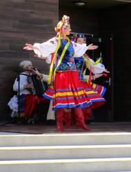 folk dancer Ukrainian folkwear