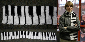 Knitted: Piano Scarf for DBM by FeatheredDragon