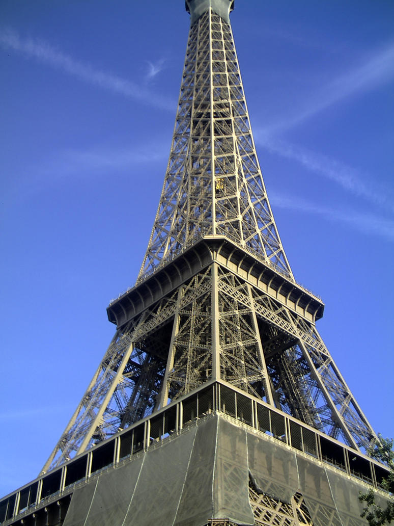 Eiffel Tower by Mixedmind