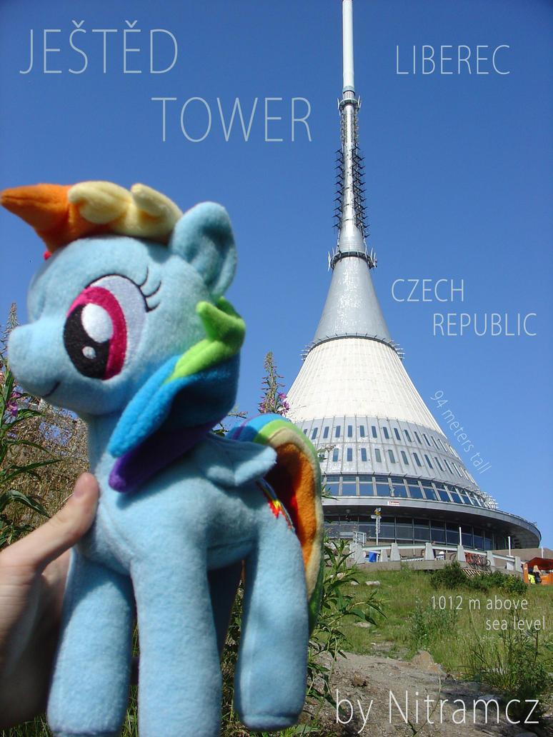 [Obrázek: ponies_around_the_world__greetings_from_...56owm6.jpg]