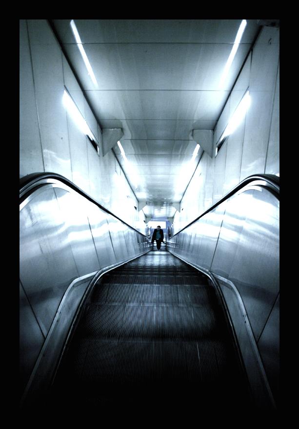 Escalator by genr