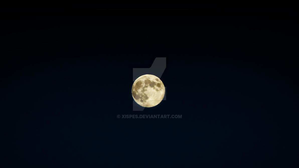 Lua Grande by Xispes