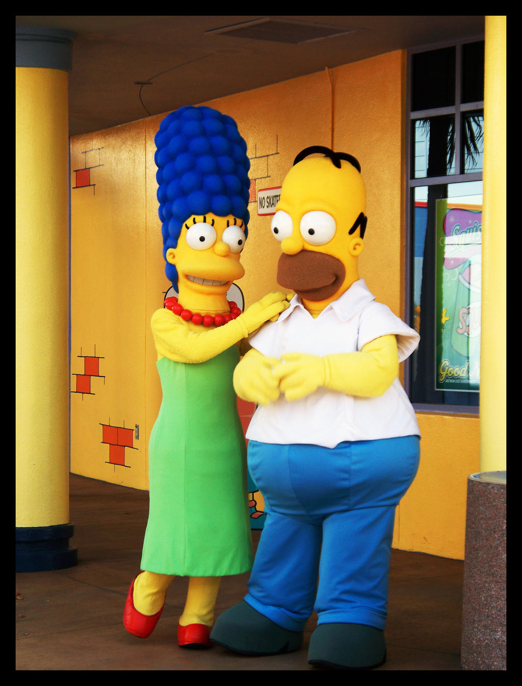 Marge and Homer by Astranyx