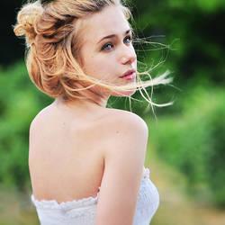 Julia by IrisWol