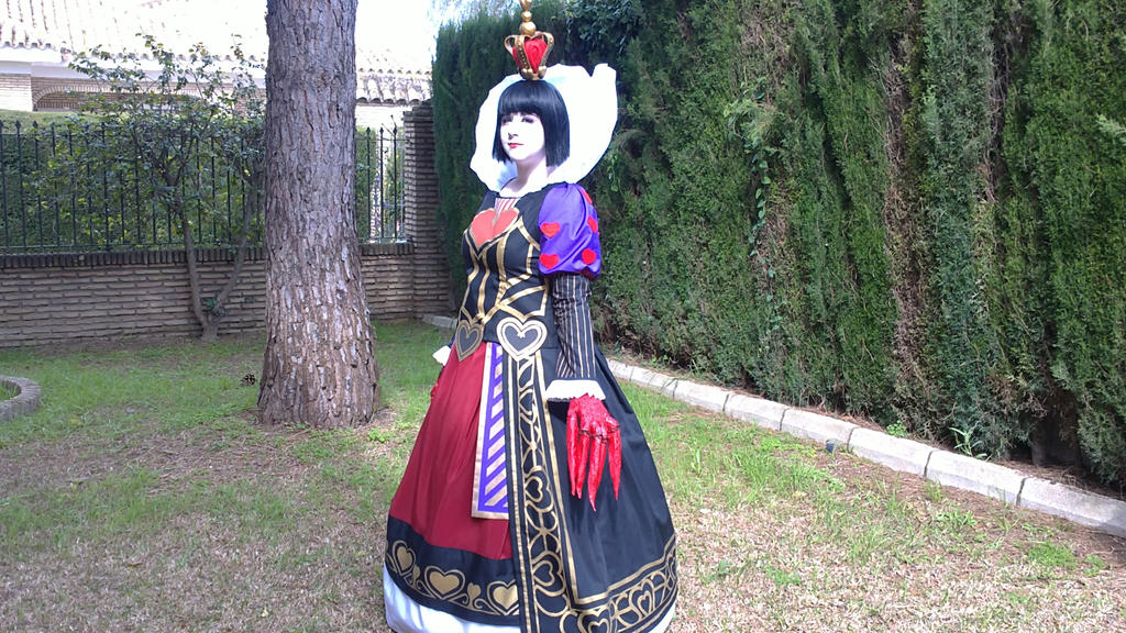 Queen of Hearts by MsLizzieLiddell