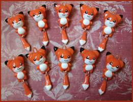 Chibi-Charms: Foxes by MandyPandaa