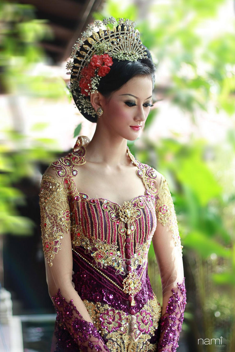 Indonesian Women Traditional Clothing Www Imgkid Com