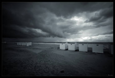 Storm is coming by zardo