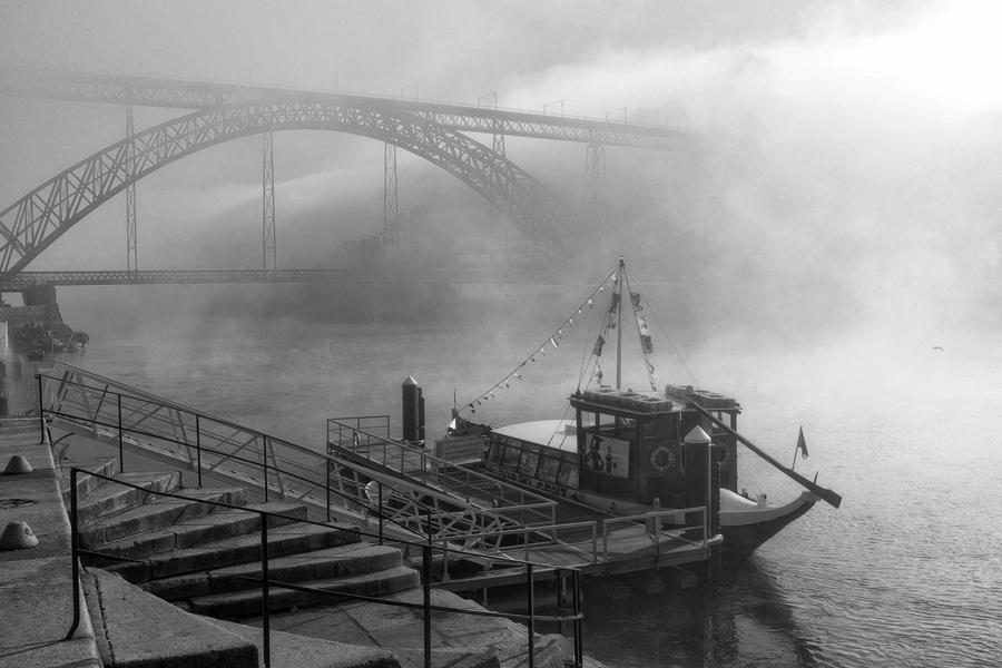 Misty morning by the Dom Luis I Bridge