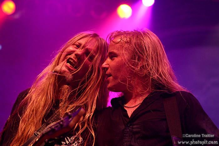 http://fc03.deviantart.com/fs6/i/2005/065/3/a/Nightwish_by_DragonLady1.jpg