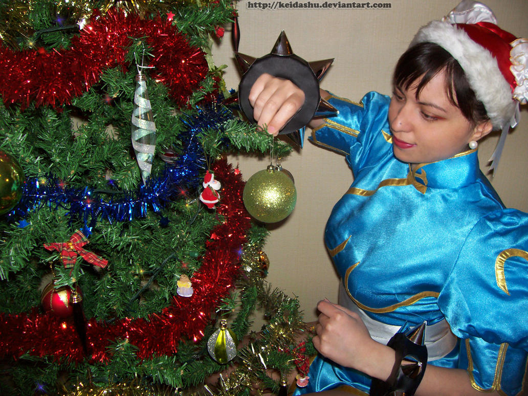 Chun Li Cosplay Christmas 2 by keidashu