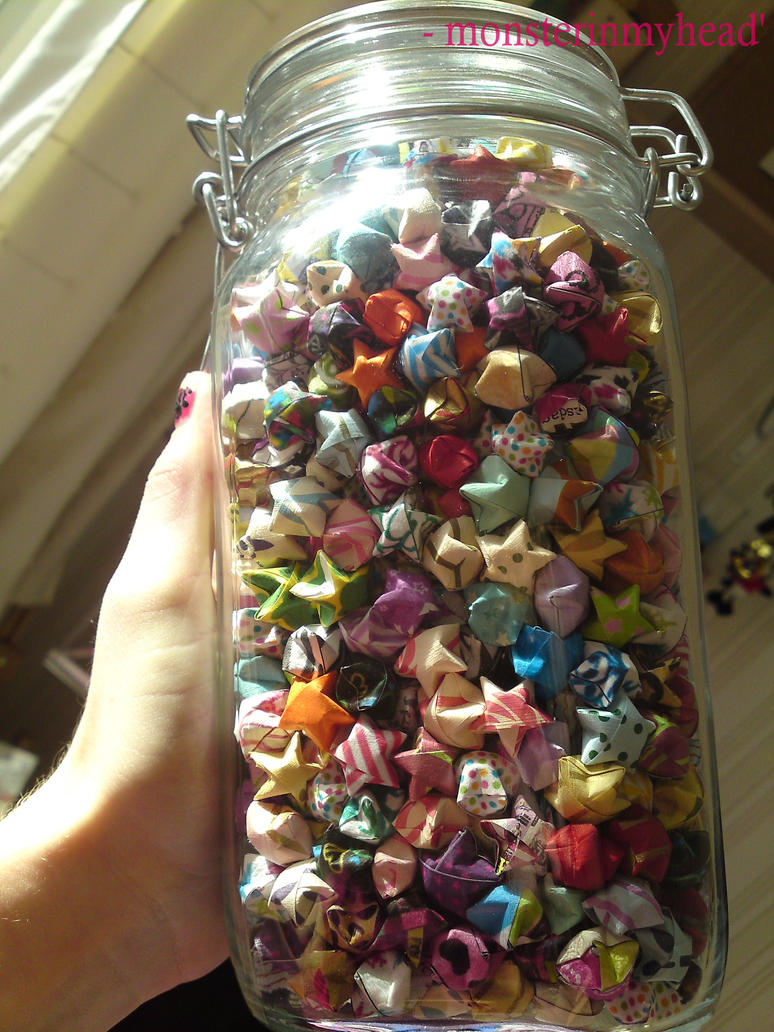 Lucky paper stars in a jar by monsterinmyhead